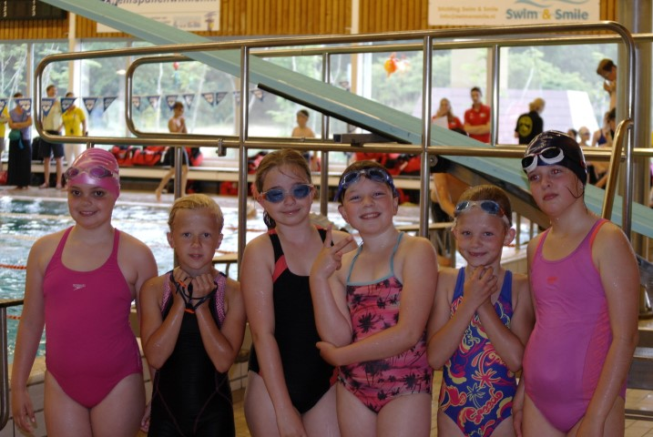 Goud voor zwemmers Larissa Sonneveld en Thijmen Smit in Zoetermeer
